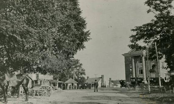 Wentworth Street Scene