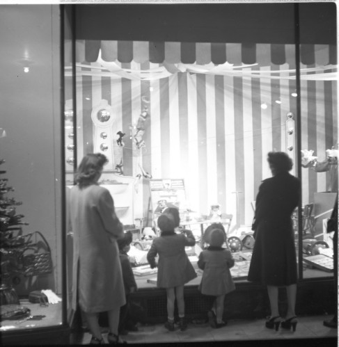 Belk store window, Christmas 1946
