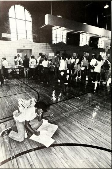 Utilizing the gym floor to figure out classes during registration, from UNC-Chapel Hill's 1982 Yackety yack